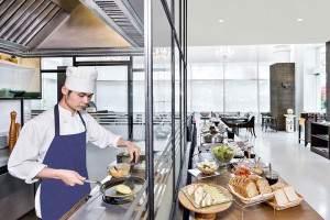 Breakfast Service (06.00 - 10.30 hrs) L Floor